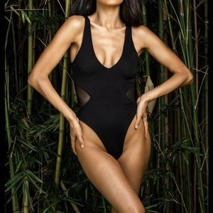 BuffBunny One-Piece Swimsuit Black Size: Small